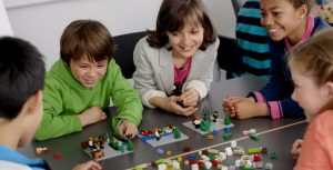 comunicación creativa con Lego Education